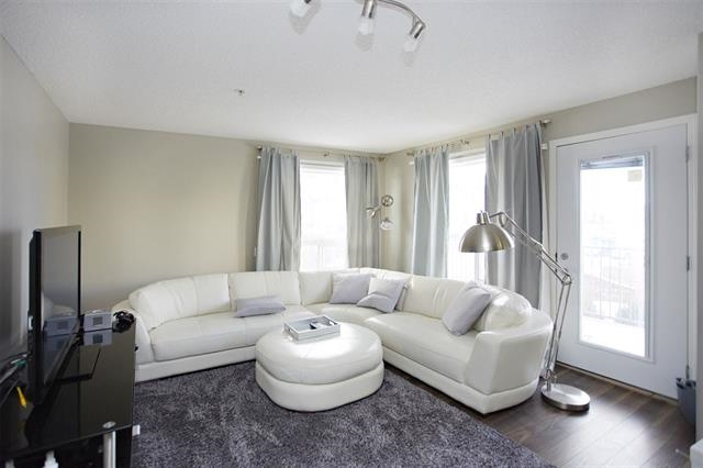 Photo 5: 1226 330 CLAREVIEW STATION Drive in Edmonton: Zone 35 Condo for sale : MLS® # E4077452