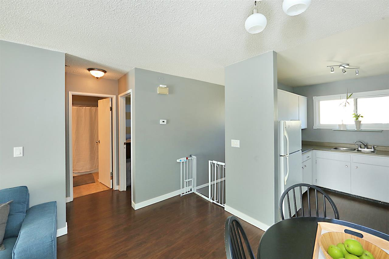 Photo 8: 1751 LAKEWOOD Road S in Edmonton: Zone 29 Townhouse for sale : MLS® # E4077656