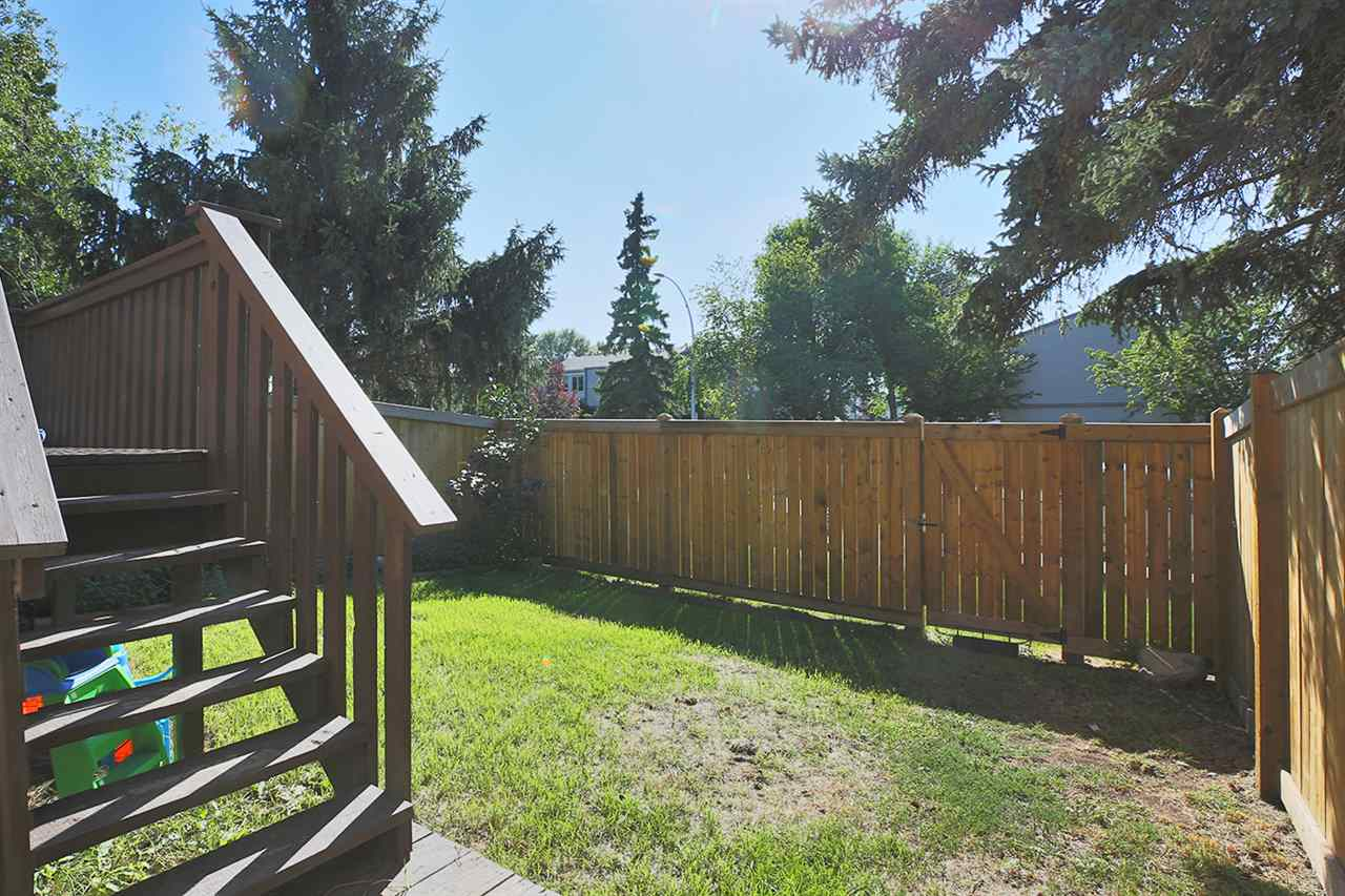 Photo 26: 1751 LAKEWOOD Road S in Edmonton: Zone 29 Townhouse for sale : MLS® # E4077656