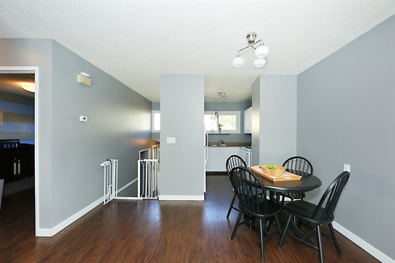 Photo 6: 1751 LAKEWOOD Road S in Edmonton: Zone 29 Townhouse for sale : MLS® # E4077656