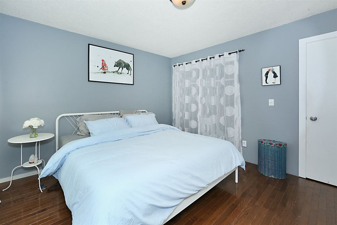 Photo 14: 1751 LAKEWOOD Road S in Edmonton: Zone 29 Townhouse for sale : MLS® # E4077656