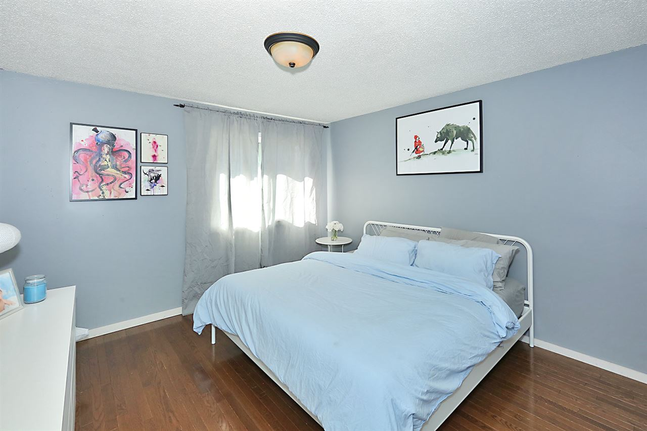 Photo 15: 1751 LAKEWOOD Road S in Edmonton: Zone 29 Townhouse for sale : MLS® # E4077656