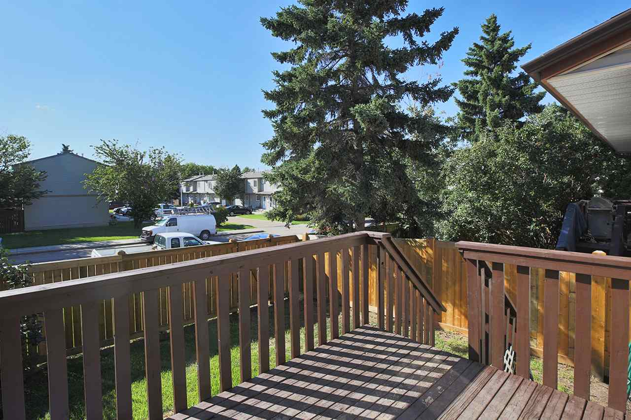 Photo 22: 1751 LAKEWOOD Road S in Edmonton: Zone 29 Townhouse for sale : MLS® # E4077656