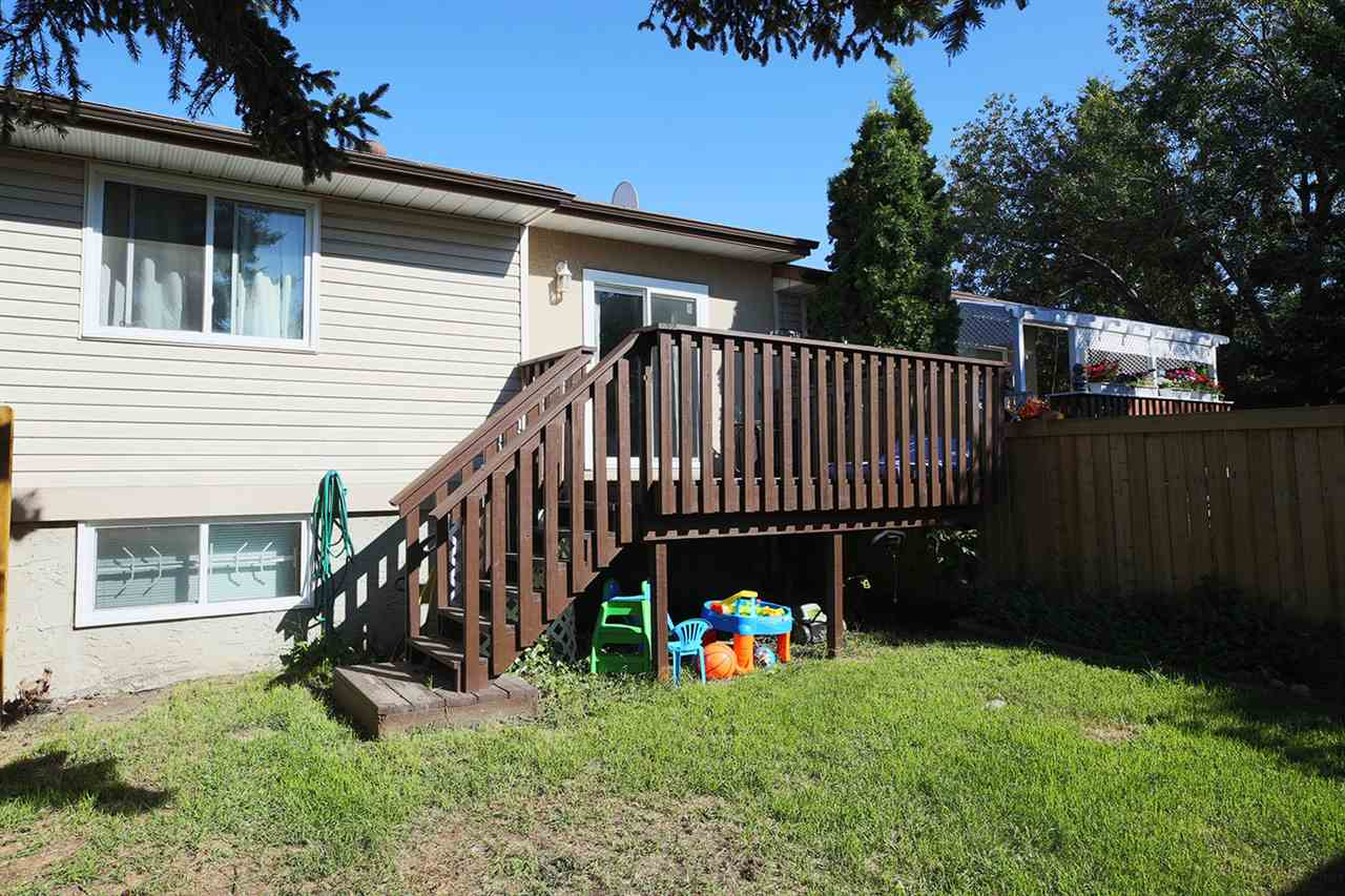 Photo 24: 1751 LAKEWOOD Road S in Edmonton: Zone 29 Townhouse for sale : MLS® # E4077656