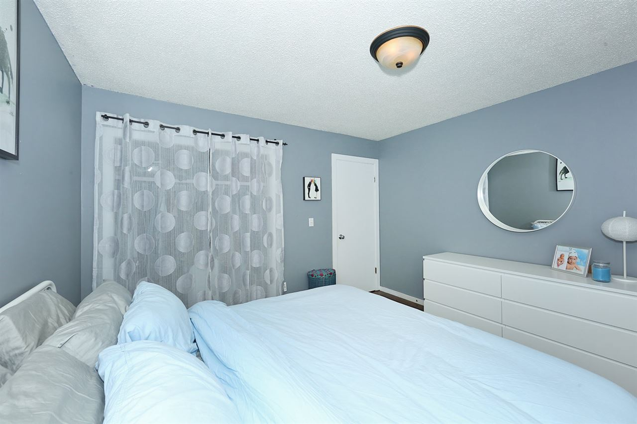 Photo 13: 1751 LAKEWOOD Road S in Edmonton: Zone 29 Townhouse for sale : MLS® # E4077656