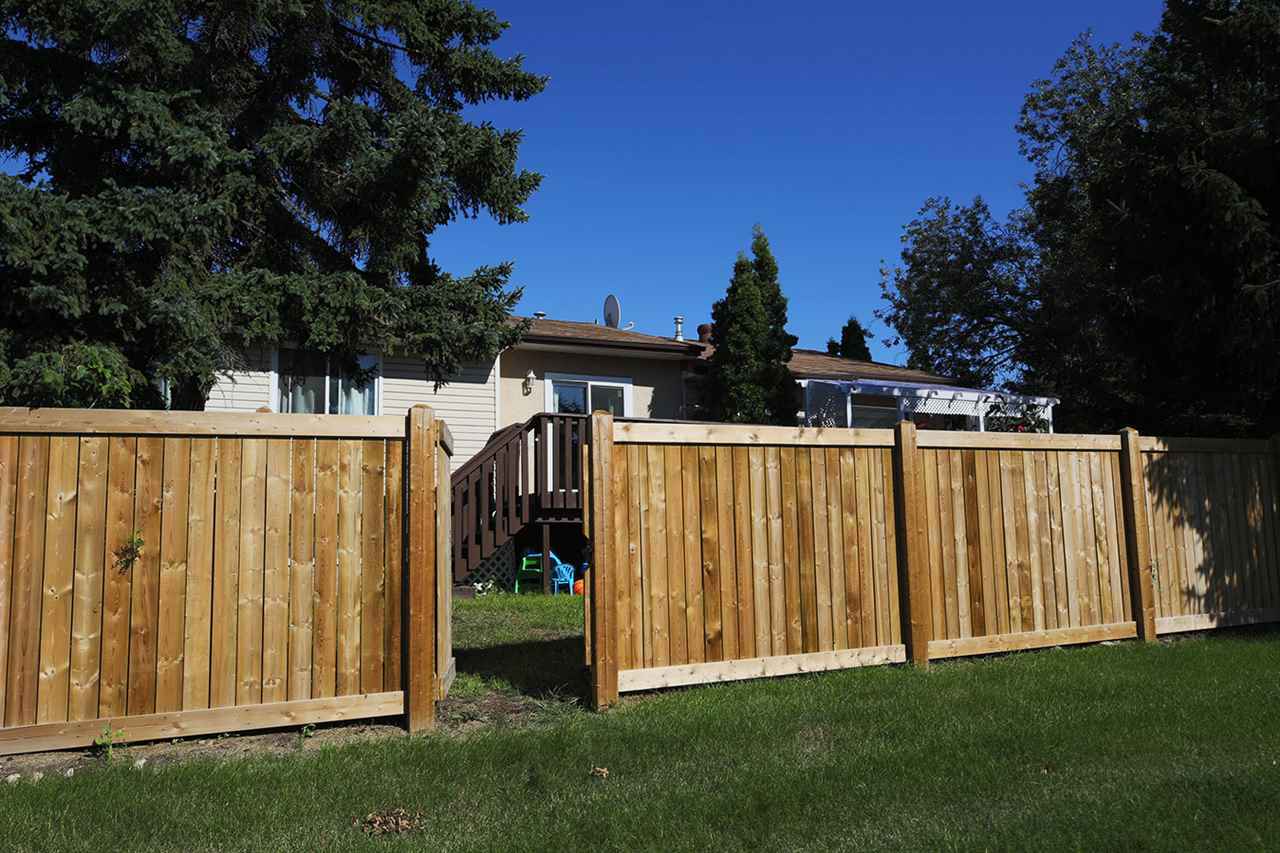 Photo 23: 1751 LAKEWOOD Road S in Edmonton: Zone 29 Townhouse for sale : MLS® # E4077656