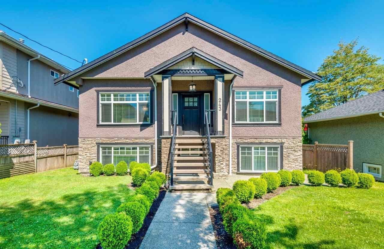 "Main Photo: 243 SANDRINGHAM Avenue in New Westminster: GlenBrooke North House for sale in ""Glenbrooke North"" : MLS® # R2204930"