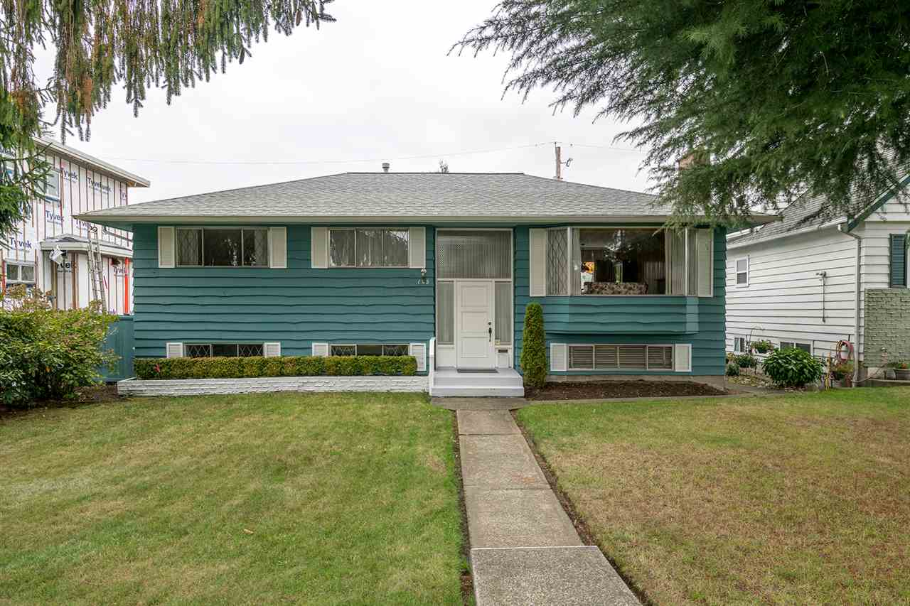 Main Photo: 145 HARVEY Street in New Westminster: The Heights NW House for sale : MLS® # R2218667