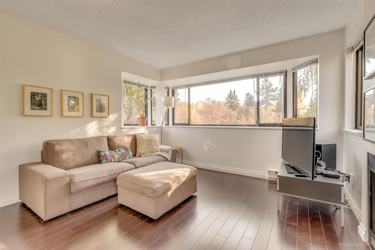"Main Photo: 20 3437 W 4TH Avenue in Vancouver: Kitsilano Townhouse for sale in ""Waterwood Court"" (Vancouver West)  : MLS® # R2221061"
