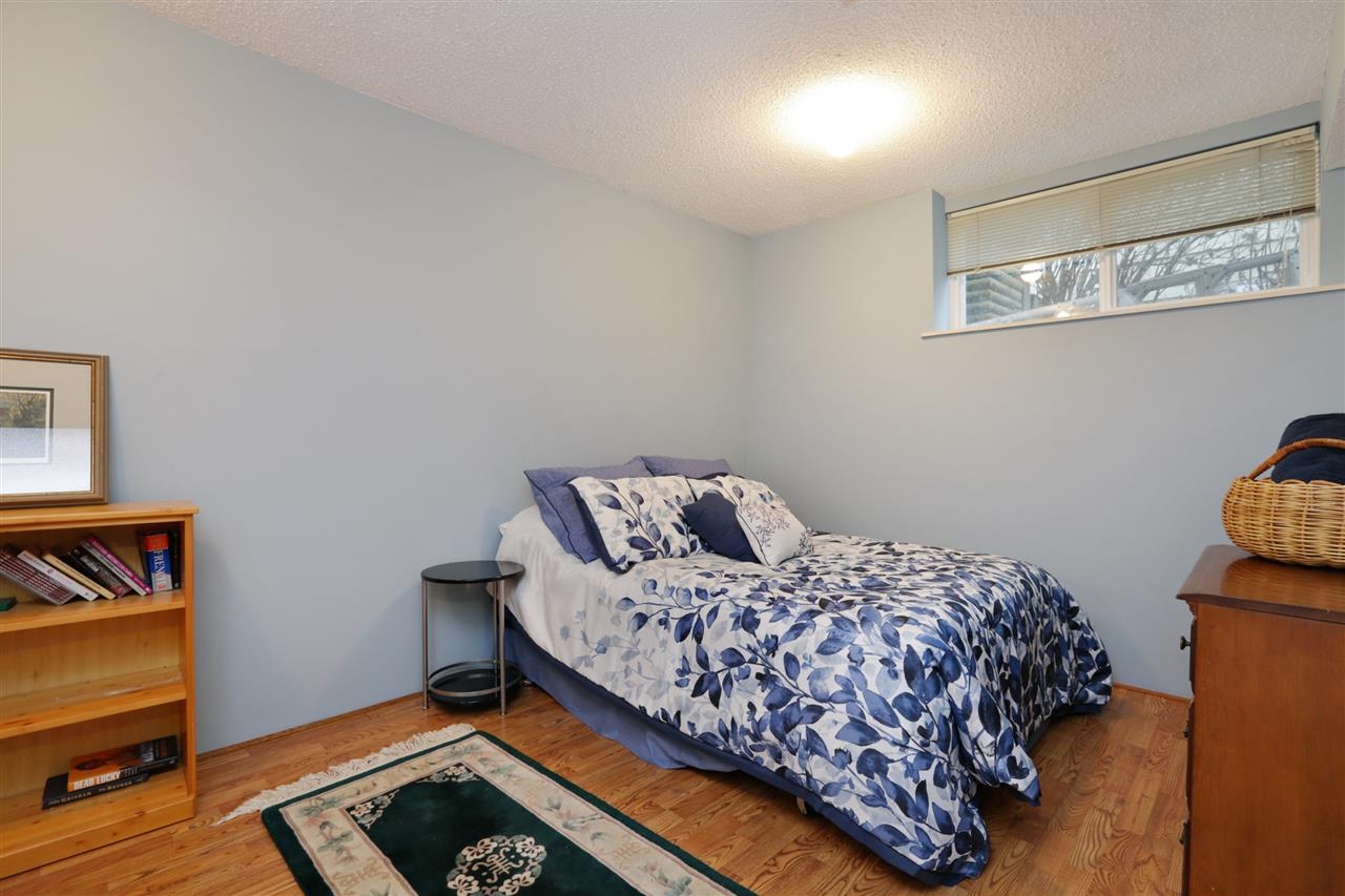 Photo 15: Photos: 2220 BADGER Road in North Vancouver: Deep Cove House for sale : MLS® # R2245962