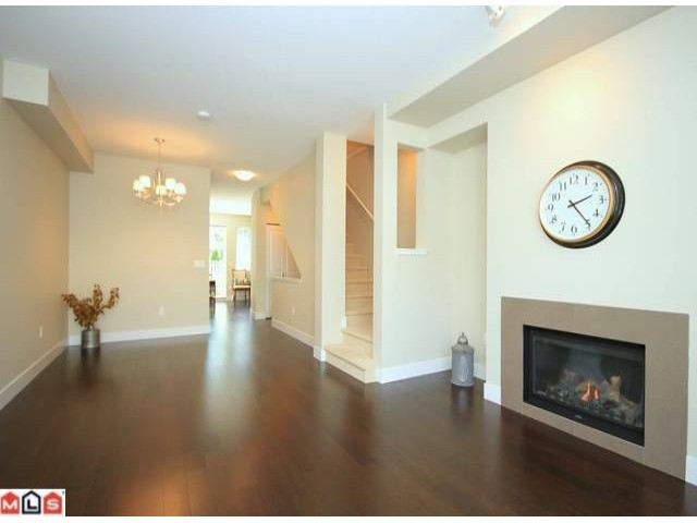 Photo 4: 118 2501 161A Street in Surrey: Grandview Surrey Townhouse for sale (South Surrey White Rock)  : MLS(r) # F1221544