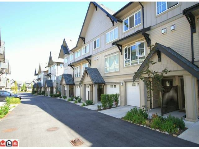 Photo 10: 118 2501 161A Street in Surrey: Grandview Surrey Townhouse for sale (South Surrey White Rock)  : MLS(r) # F1221544