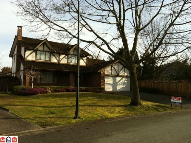 Main Photo: 14939  SOUTHMERE PL in Surrey: Sunnyside Park Surrey House for sale (South Surrey White Rock)  : MLS® # F1105927