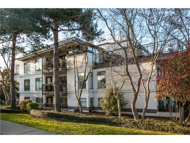 "Main Photo: 319 2222 PRINCE EDWARD Street in Vancouver: Mount Pleasant VE Condo for sale in ""Sunrise on the Park"" (Vancouver East)  : MLS® # V1055655"