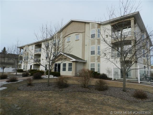 Main Photo: 103 3501 49 Avenue in Red Deer: RR South Hill Residential Condo for sale : MLS® # CA0033656