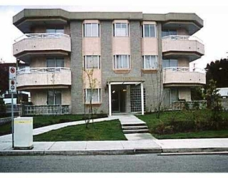 "Main Photo: 203 6788 MCKAY AV in Burnaby: Metrotown Condo for sale in ""Mckay Manor"" (Burnaby South)  : MLS(r) # V518943"