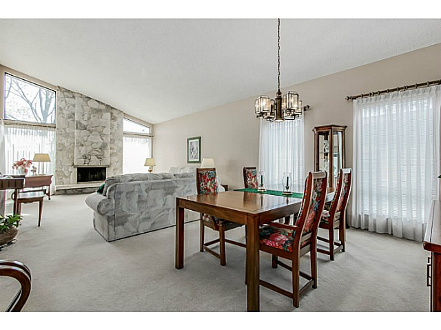 Photo 2: 2580 KASLO Street in Vancouver: Renfrew VE House for sale (Vancouver East)  : MLS® # V1114634