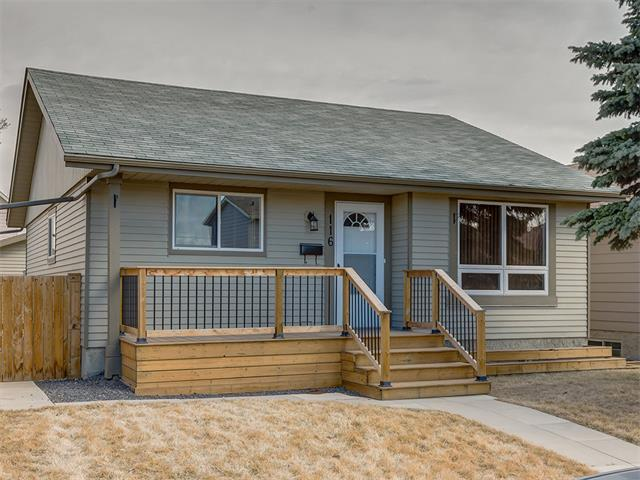 Main Photo: 116 ERIN PARK Close SE in Calgary: Erinwoods House for sale : MLS®# C4006454