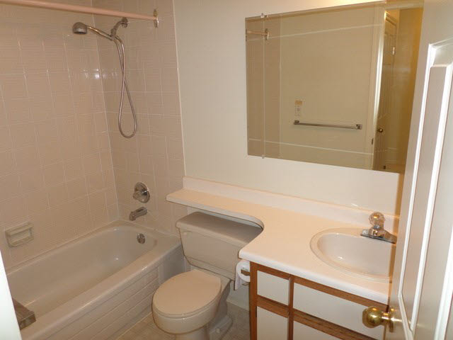 "Photo 12: 203 2425 CHURCH Street in Abbotsford: Abbotsford West Condo for sale in ""PARKVIEW PLACE"" : MLS® # F1448590"
