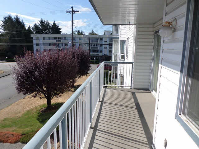 "Photo 9: 203 2425 CHURCH Street in Abbotsford: Abbotsford West Condo for sale in ""PARKVIEW PLACE"" : MLS® # F1448590"