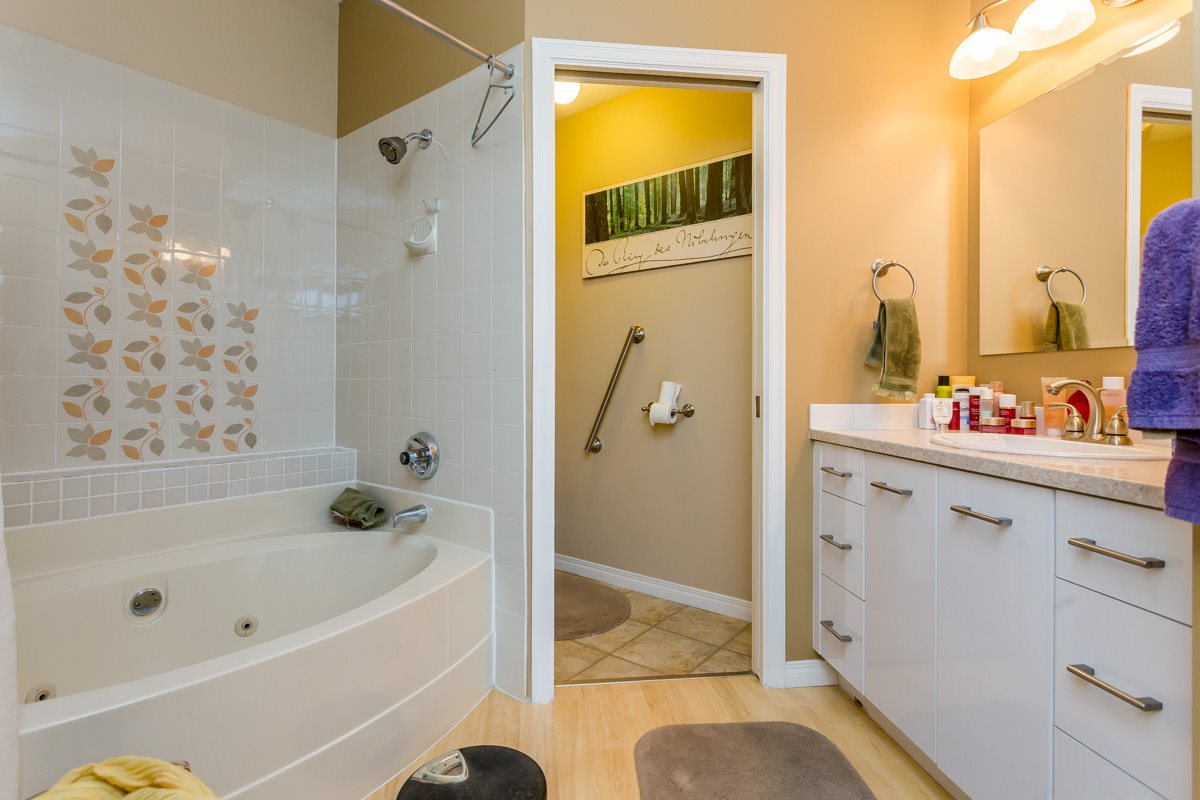 "Photo 14: 203 7660 MINORU Boulevard in Richmond: Brighouse South Condo for sale in ""BENTLEY WYND"" : MLS(r) # R2041543"