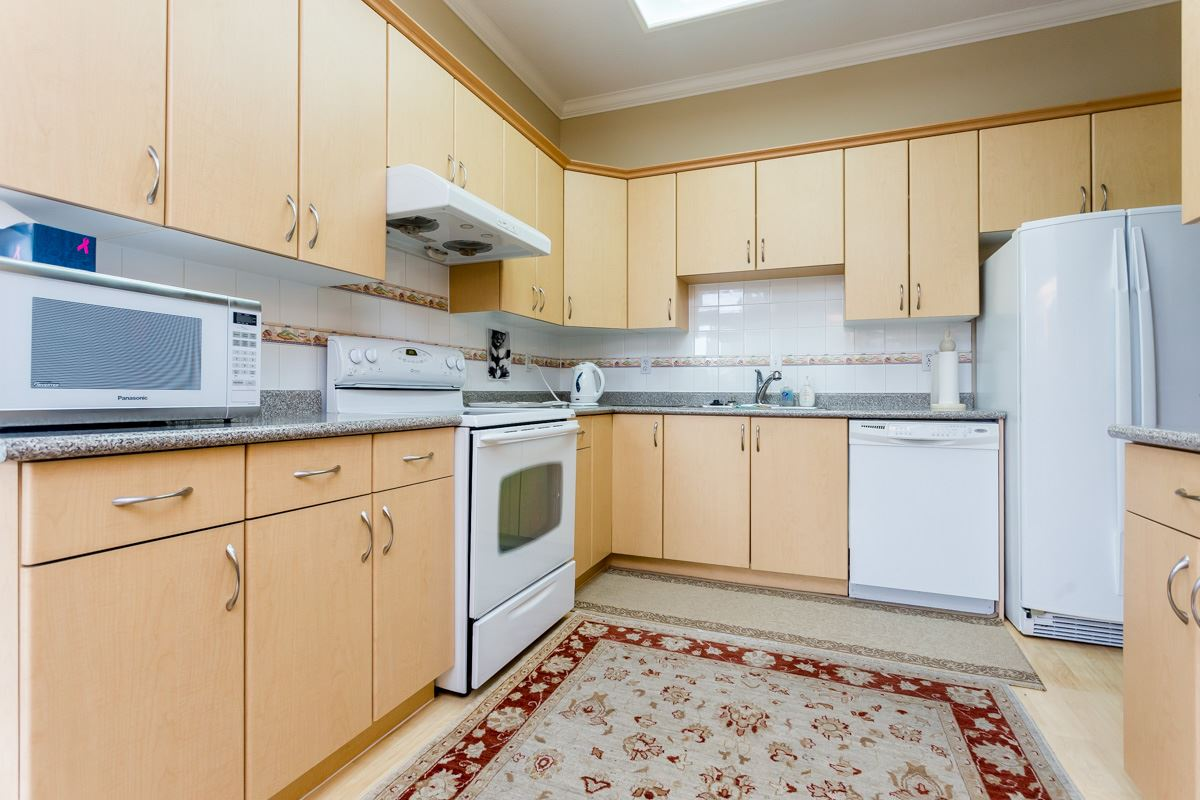 "Photo 11: 203 7660 MINORU Boulevard in Richmond: Brighouse South Condo for sale in ""BENTLEY WYND"" : MLS(r) # R2041543"