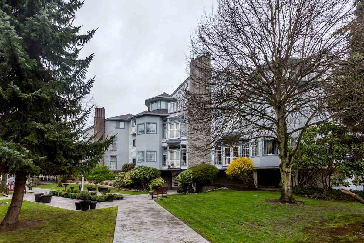 "Photo 18: 203 7660 MINORU Boulevard in Richmond: Brighouse South Condo for sale in ""BENTLEY WYND"" : MLS(r) # R2041543"