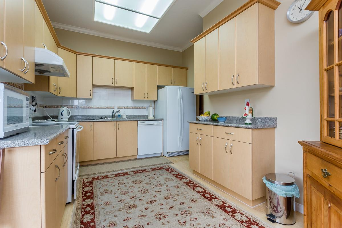 "Photo 10: 203 7660 MINORU Boulevard in Richmond: Brighouse South Condo for sale in ""BENTLEY WYND"" : MLS(r) # R2041543"