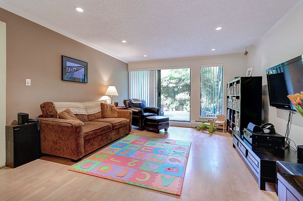 "Main Photo: 223 7055 WILMA Street in Burnaby: Highgate Condo for sale in ""THE BERESFORD"" (Burnaby South)  : MLS® # R2078015"