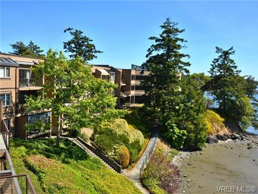 Main Photo: 312 485 Island Highway in VICTORIA: VR Six Mile Condo Apartment for sale (View Royal)  : MLS® # 369243