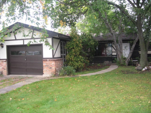 Main Photo:  in Edmonton: Zone 01 House for sale : MLS(r) # E4036796