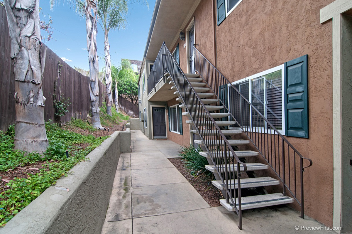 Photo 8: COLLEGE GROVE Condo for rent : 2 bedrooms : 4334 College Avenue in San Diego