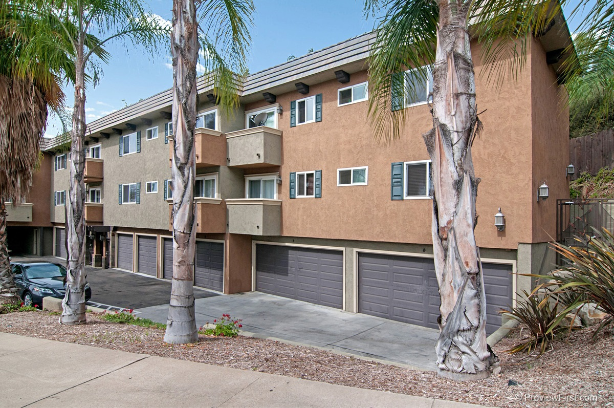Photo 2: COLLEGE GROVE Condo for rent : 2 bedrooms : 4334 College Avenue in San Diego