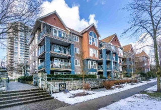 "Main Photo: 313 1200 EASTWOOD Street in Coquitlam: North Coquitlam Condo for sale in ""LAKESIDE TERRACE"" : MLS(r) # R2143728"