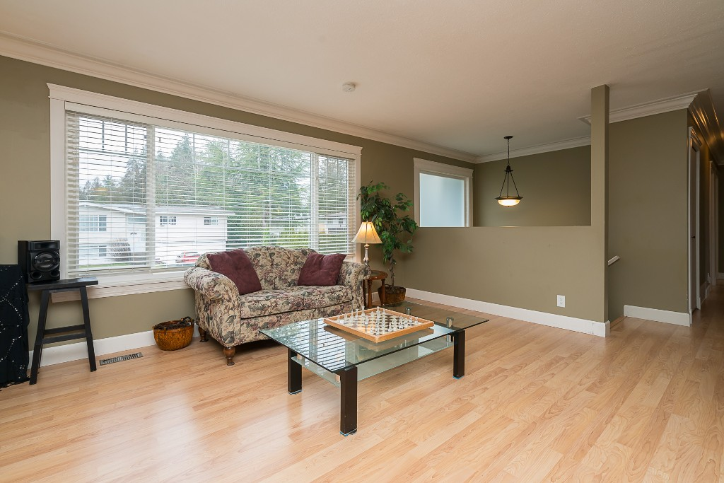 "Photo 9: 31880 QUAIL in Mission: Mission BC House for sale in ""West Heights"" : MLS(r) # R2145763"