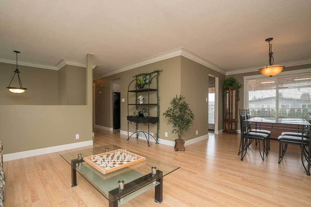 "Photo 8: 31880 QUAIL in Mission: Mission BC House for sale in ""West Heights"" : MLS(r) # R2145763"