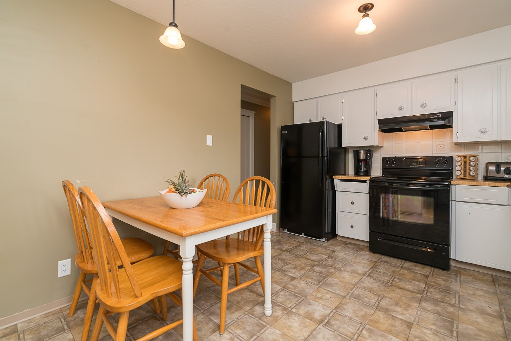 "Photo 12: 31880 QUAIL in Mission: Mission BC House for sale in ""West Heights"" : MLS(r) # R2145763"