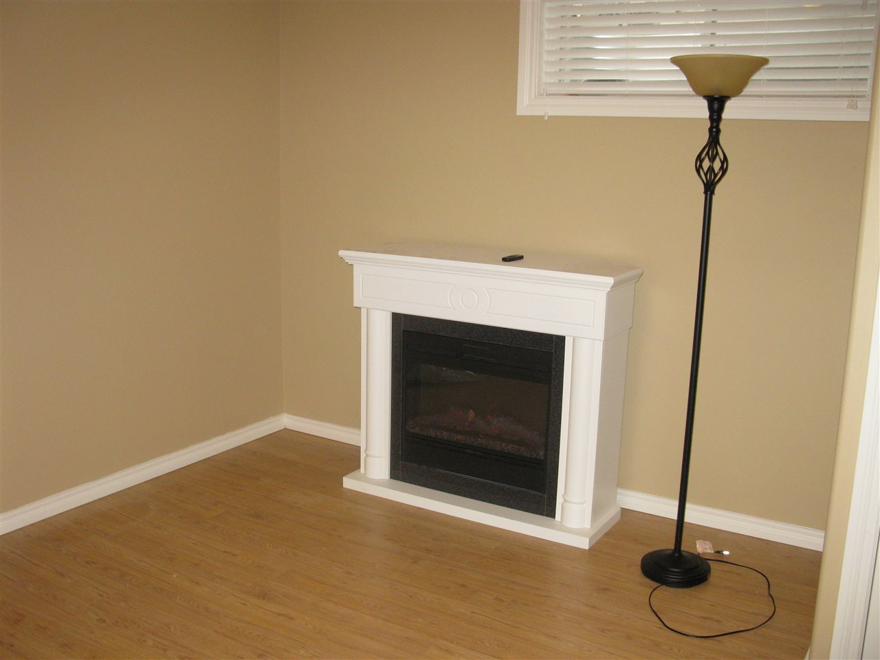 Photo 11: 1537 RUTHERFORD Road in Edmonton: Zone 55 House Half Duplex for sale : MLS(r) # E4055982