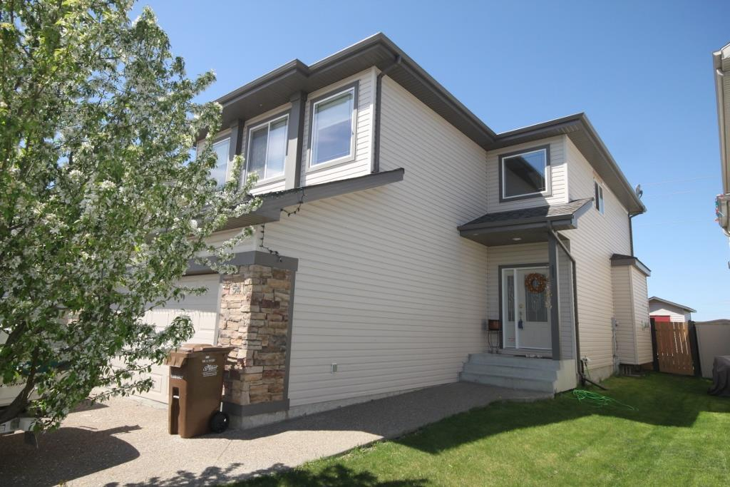 Photo 2: 54 NORRIS Crescent: St. Albert House for sale : MLS(r) # E4066008