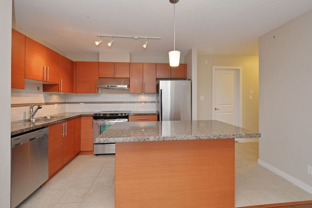 "Photo 4: 1906 5611 GORING Street in Burnaby: Central BN Condo for sale in ""LEGACY"" (Burnaby North)  : MLS(r) # R2178536"
