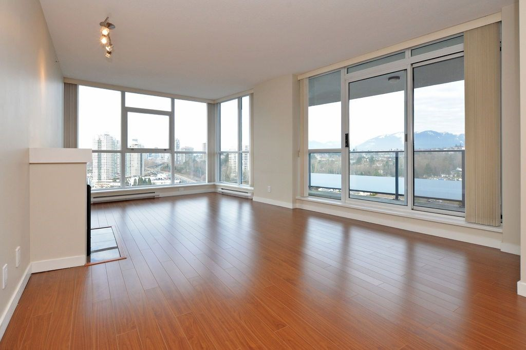 "Photo 3: 1906 5611 GORING Street in Burnaby: Central BN Condo for sale in ""LEGACY"" (Burnaby North)  : MLS(r) # R2178536"