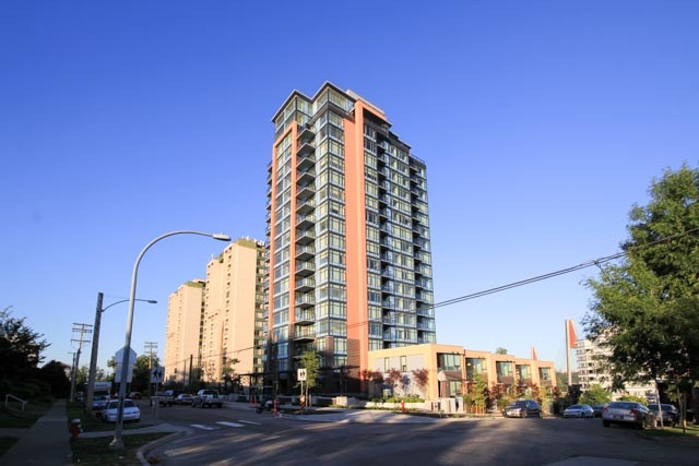 "Main Photo: 803 188 AGNES Street in New Westminster: Downtown NW Condo for sale in ""Elliot Street"" : MLS® # R2182689"