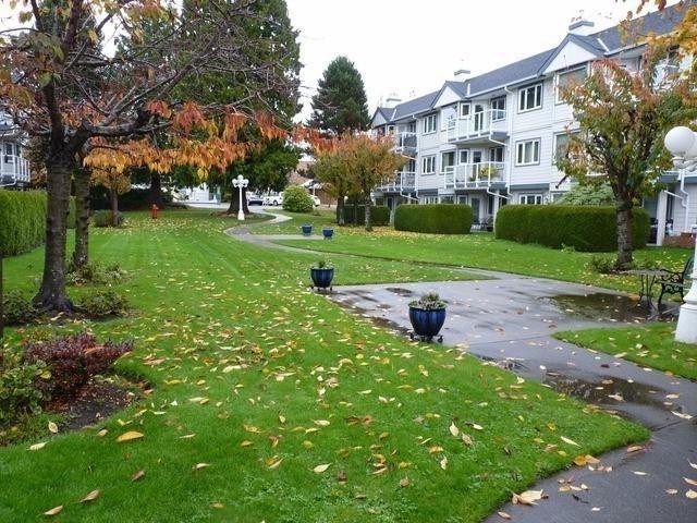 "Main Photo: 114 13965 16 Avenue in Surrey: Sunnyside Park Surrey Condo for sale in ""White Rock Village"" (South Surrey White Rock)  : MLS(r) # R2187785"