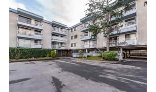 "Main Photo: 111 6420 BUSWELL Street in Richmond: Brighouse Condo for sale in ""CRESTWIND"" : MLS(r) # R2189254"