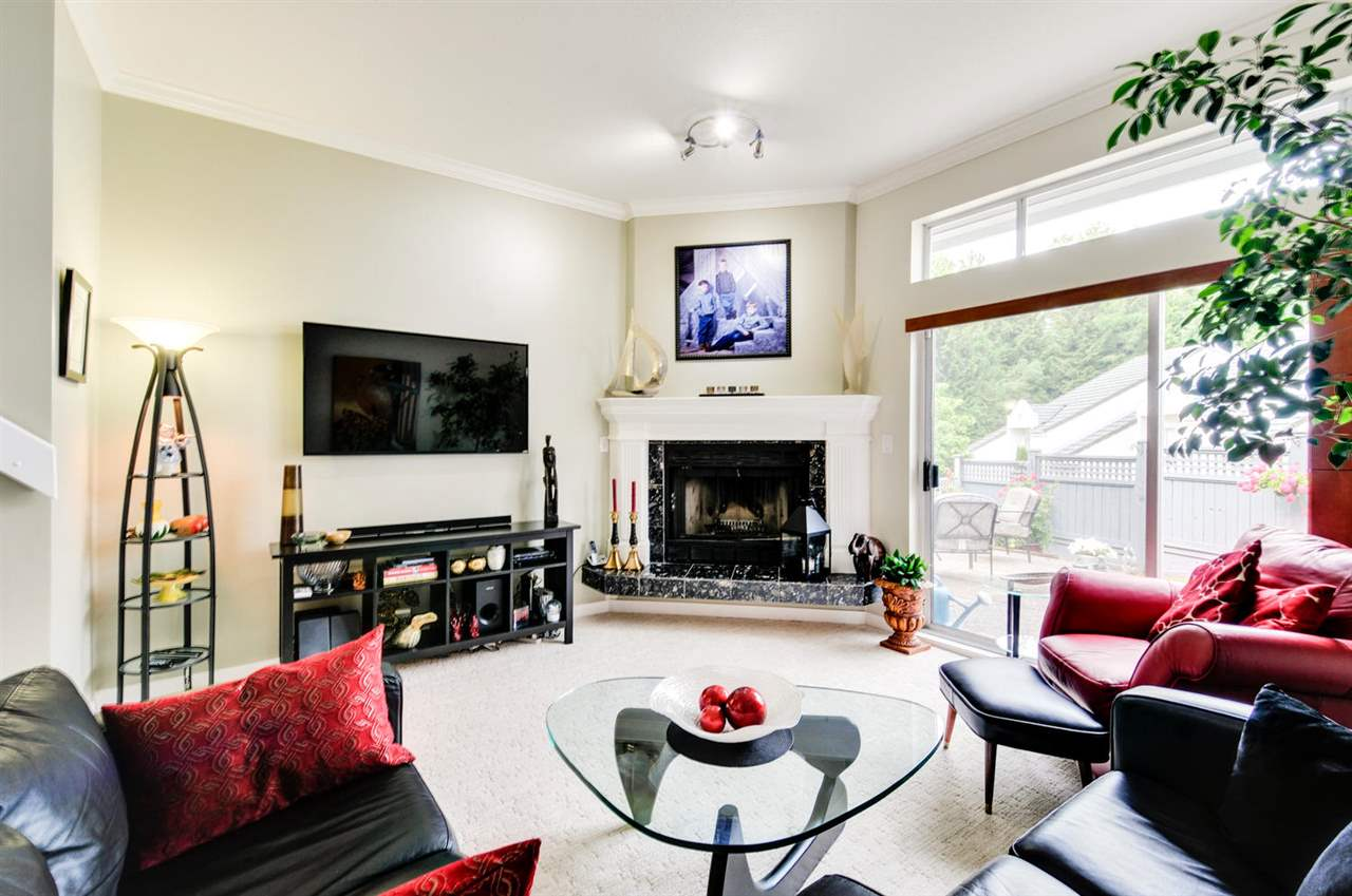 Photo 10: 8469 PORTSIDE COURT in Vancouver: Fraserview VE Townhouse for sale (Vancouver East)  : MLS® # R2190962