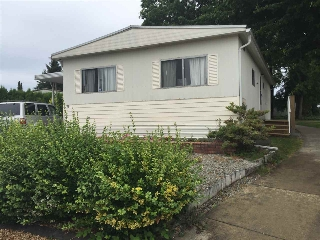 "Main Photo: 175 1840 160 Street in Surrey: King George Corridor Manufactured Home for sale in ""Breakaway Bays"" (South Surrey White Rock)  : MLS(r) # R2191518"