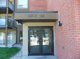 Main Photo:  in Edmonton: Zone 27 Condo for sale : MLS® # E4081440