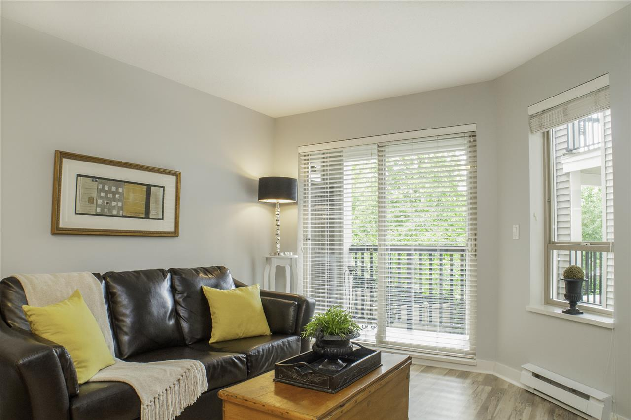 "Photo 6: Photos: 213 8915 202 Street in Langley: Walnut Grove Condo for sale in ""THE HAWTHORNE"" : MLS® # R2209846"