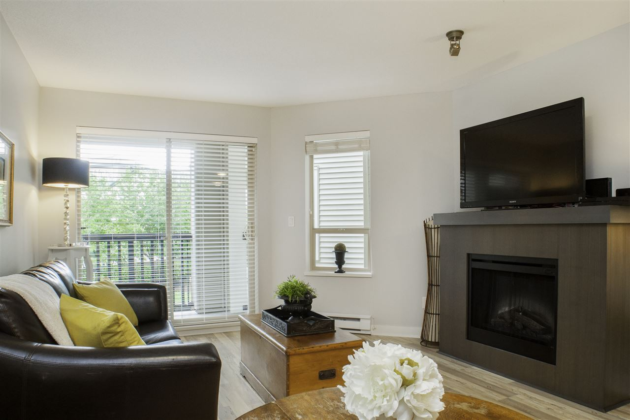 "Photo 3: Photos: 213 8915 202 Street in Langley: Walnut Grove Condo for sale in ""THE HAWTHORNE"" : MLS® # R2209846"