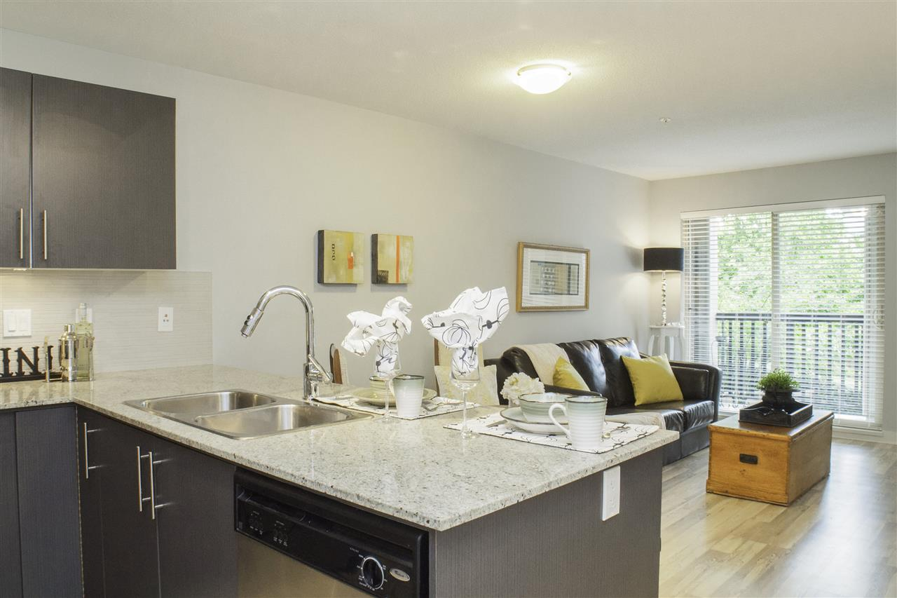 "Photo 9: Photos: 213 8915 202 Street in Langley: Walnut Grove Condo for sale in ""THE HAWTHORNE"" : MLS® # R2209846"